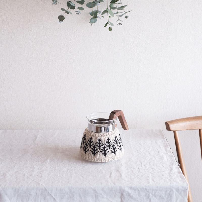amu.さんの  森のcoffee cozy 4cup
