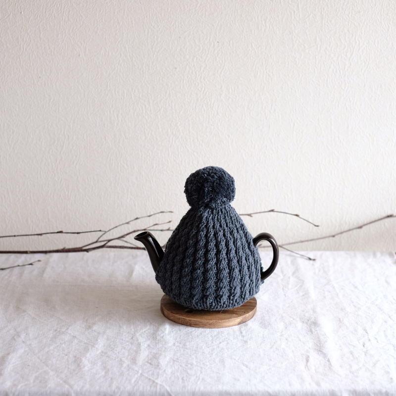 amu.さんの tea cozy cachalot(濃いグレー)
