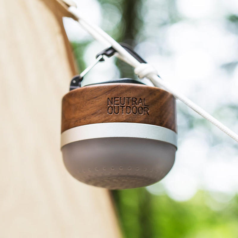 NEUTRAL OUTDOOR/Wood Speaker Lantern