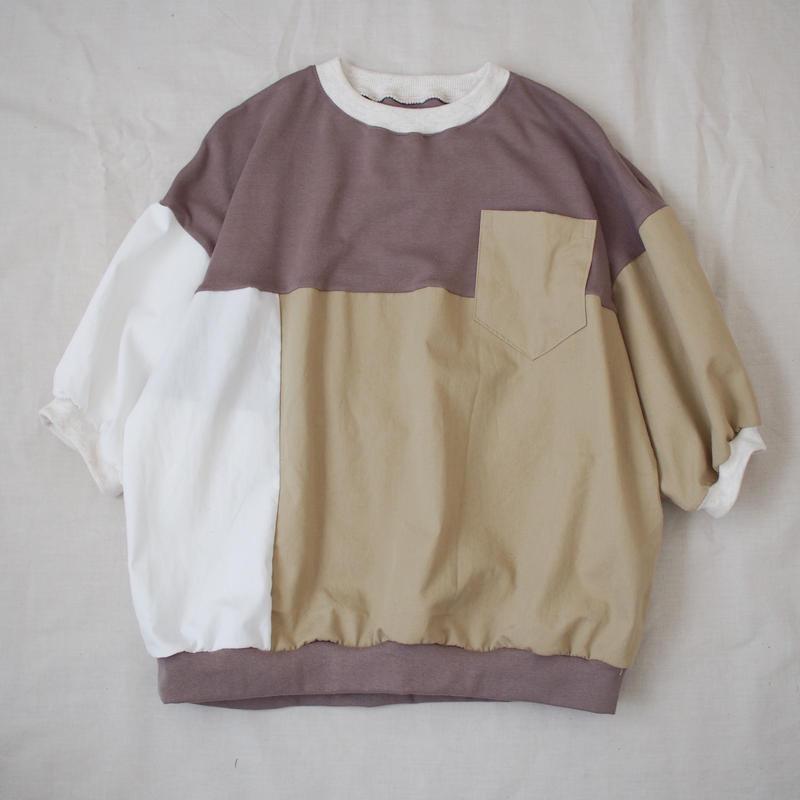 Tシャツ(ベージュ系)