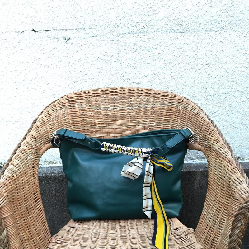 BRADARICONMAE Metropolitan Bag with Vintagescarf