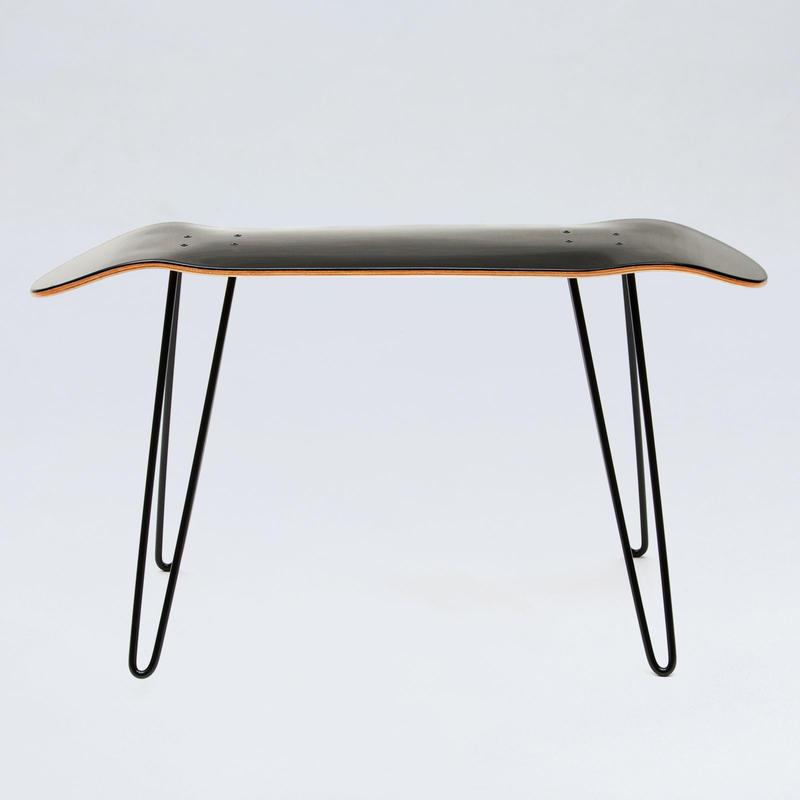 スケートボードデッキチェア Skate board deck-shaped stool