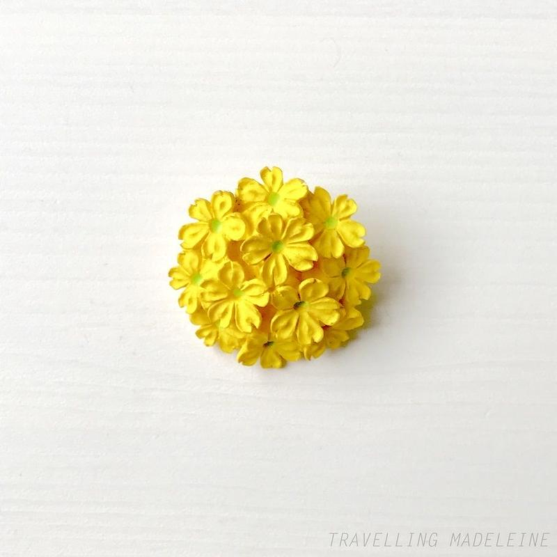 VINTAGE Carved Yellow Flower Bouquet Brooch 黄色い花のブーケ ブローチ(Sp19-165B)