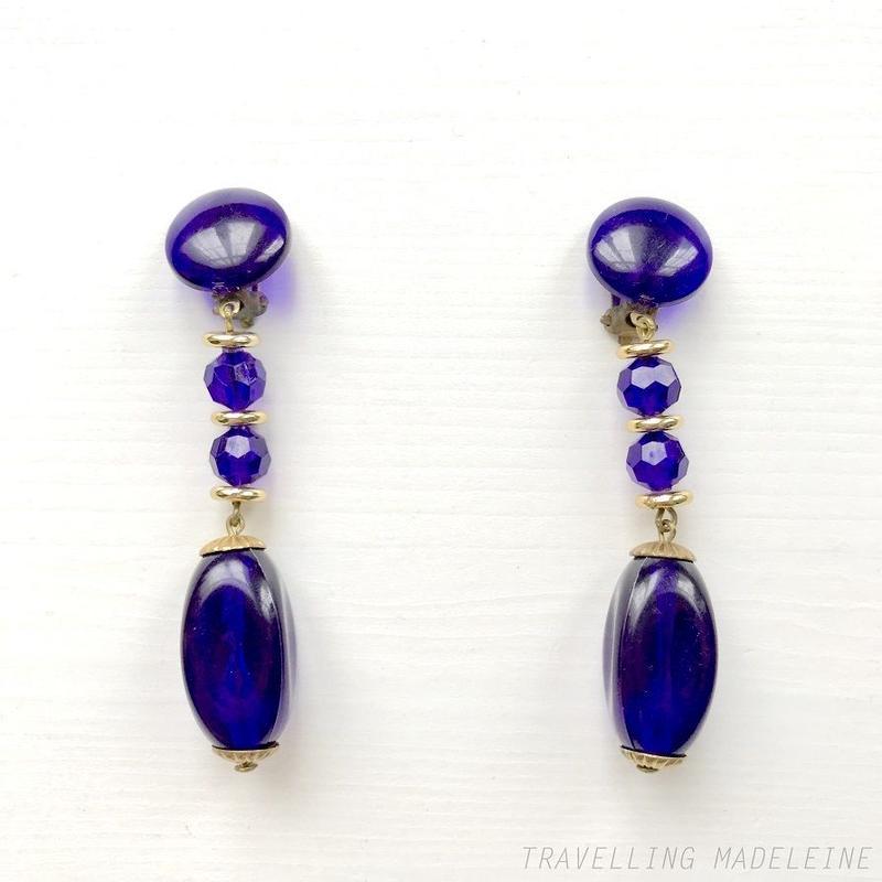 1960-70's Royal Blue Plastic Beads Drop Clip Earrings ロイヤルブルー プラスティックビーズ クリップイヤリング(A18-26E)