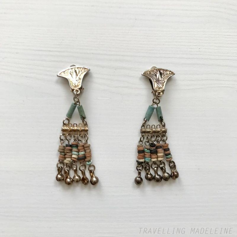 1940's Egyptian Revival Blue & Earth Coloured Tassel Clip Earrings エジプトスタイル タッセル クリップイヤリング(W18-269E)