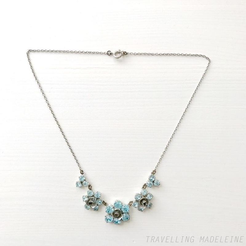 1950's Light Blue Rhinestone & Silver Rose Necklace 水色ラインストーン & シルバーローズ ネックレス(Su19-202N)
