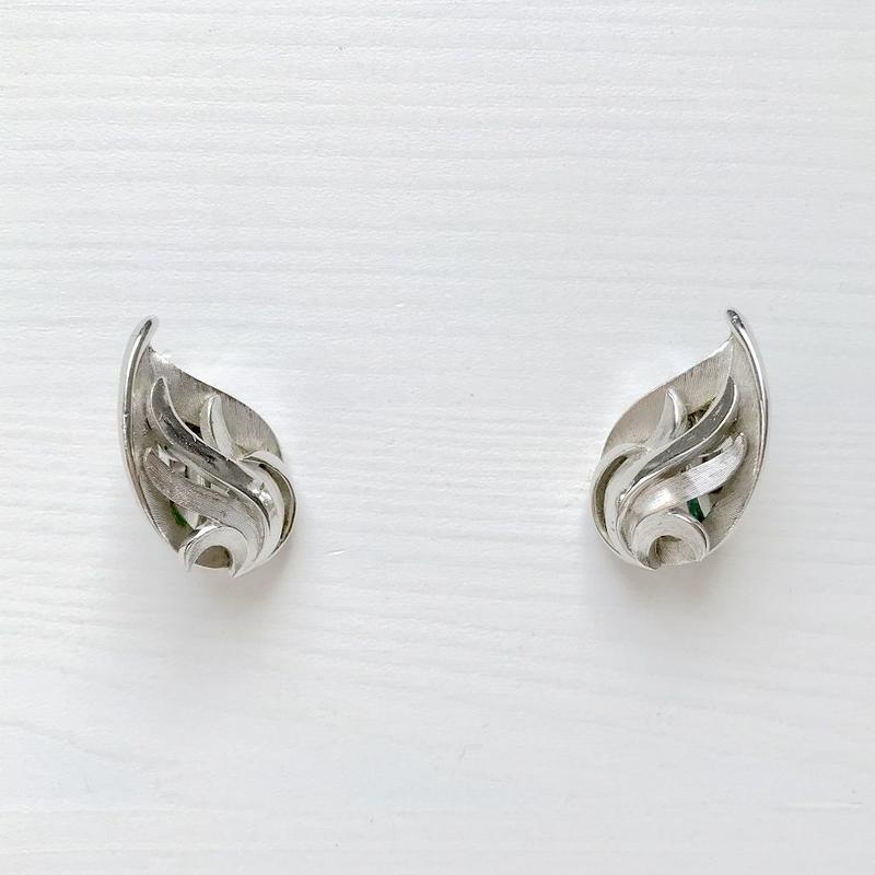 TRIFARI 1960's Silver Drop Shaped Wing Clip Earrings シルバー 雫型ウィング クリップイヤリング(Sp19-77E)