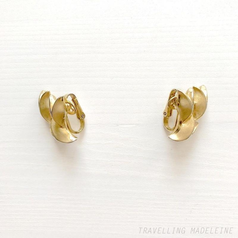 TRIFARI 1950-60's Gold Tulip Clip Earrings ゴールド チューリップ クリップイヤリング(Sp19-68E)