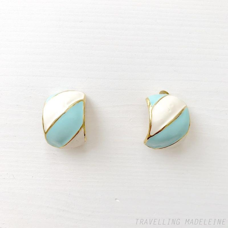 1970-80's White & Light Blue Enamel Candy Stripe Clip Earrings 水色&白 エナメル ストライプ クリップイヤリング(Su19-85E)