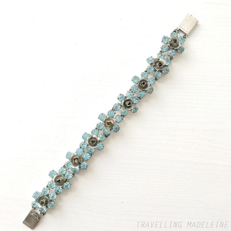 1950's Light Blue Rhinestone & Silver Rose Bracelet 水色ラインストーン & シルバーローズ ブレスレット(Su19-203Br)