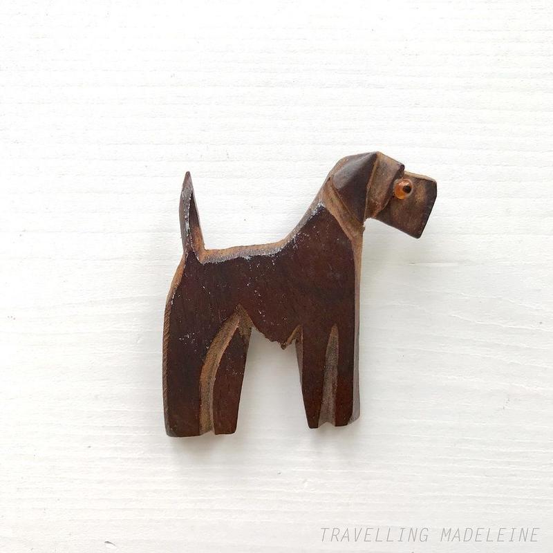 1940's Hand Carved Wood Terrier Dog Brooch 木彫り テリア犬 ブローチ(A18-43B)
