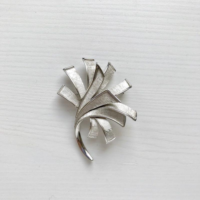 TRIFARI 1950-60's Silver Lily Brooch シルバー ユリ ブローチ (Sp19-74B)