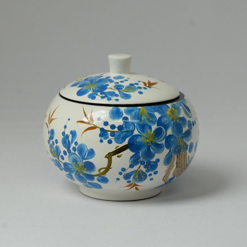 ベトナム製 小物入れ漆器 (大)【梅柄・白】