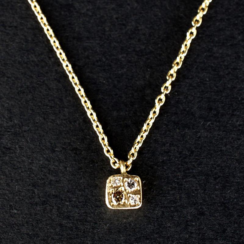 JOE SCHMOE:ジョーシュモウ 《K10YG  ダイヤモンド ネックレス》A018172AN017