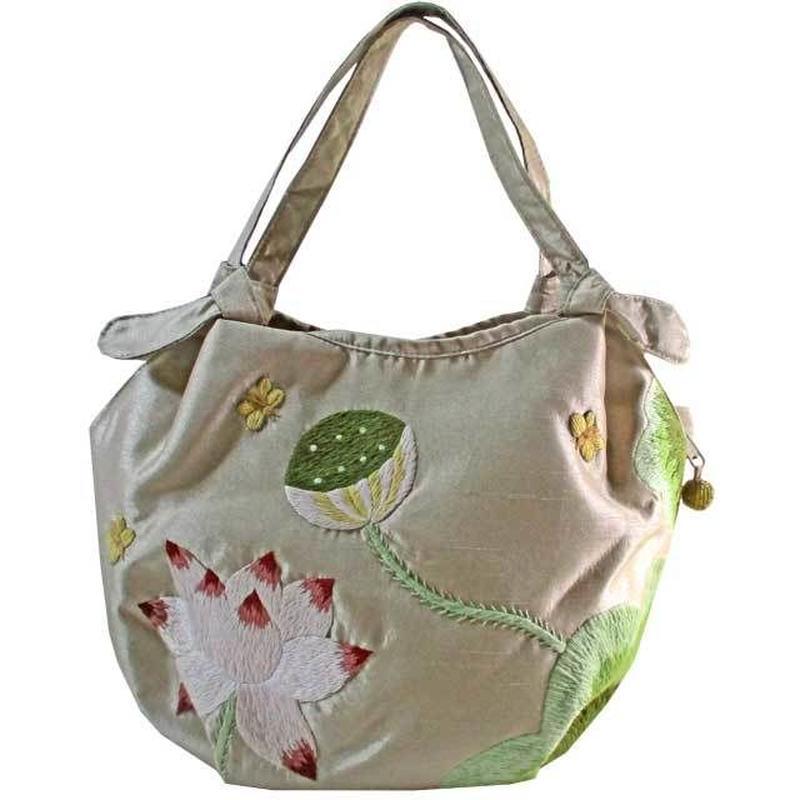 ハンドバッグ シャンパンベージュ ロータス 刺繍 花柄 蓮 ベトナム 雑貨 シルク v1231