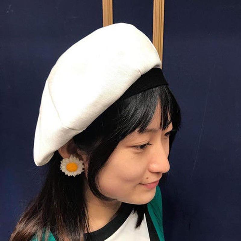 ネバートラスト 8 PANEL BERET CAP BLACK/WHITE