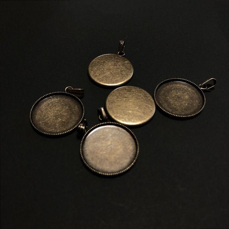 ペンダント丸皿20㎜真鍮古美(5ケ入/1袋)