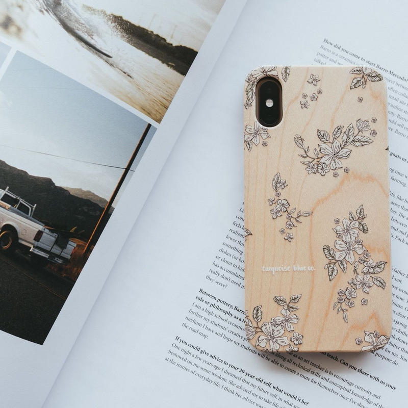 "Wooden iPhone Cover ""Floral"""