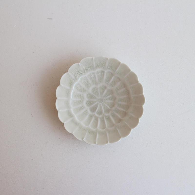 前田麻美 灰青釉菊4寸皿