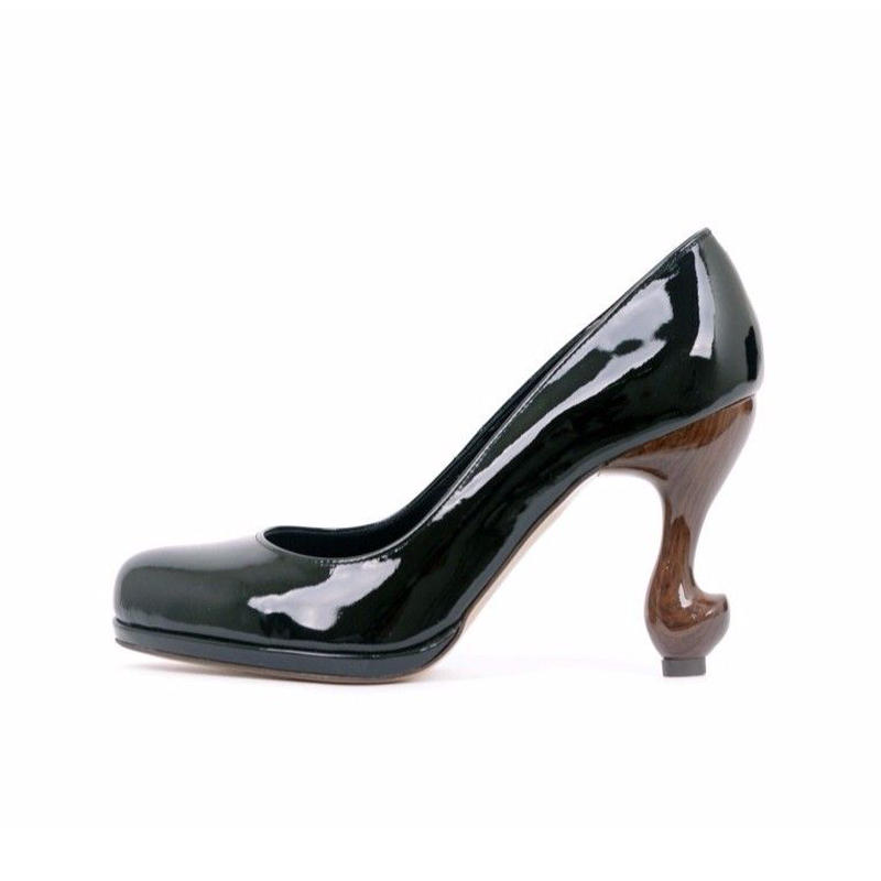 猫脚9cmプレーンパンプス**エナメル本革ブラック**22.0・22.5・24.5・25.0