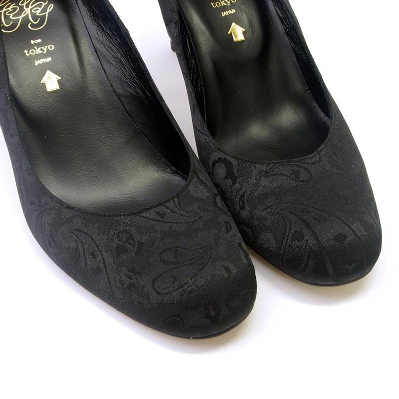 猫脚7㎝ヒールパンプス  サテン地ペイズリー柄ブラック**24.5cmのみ**