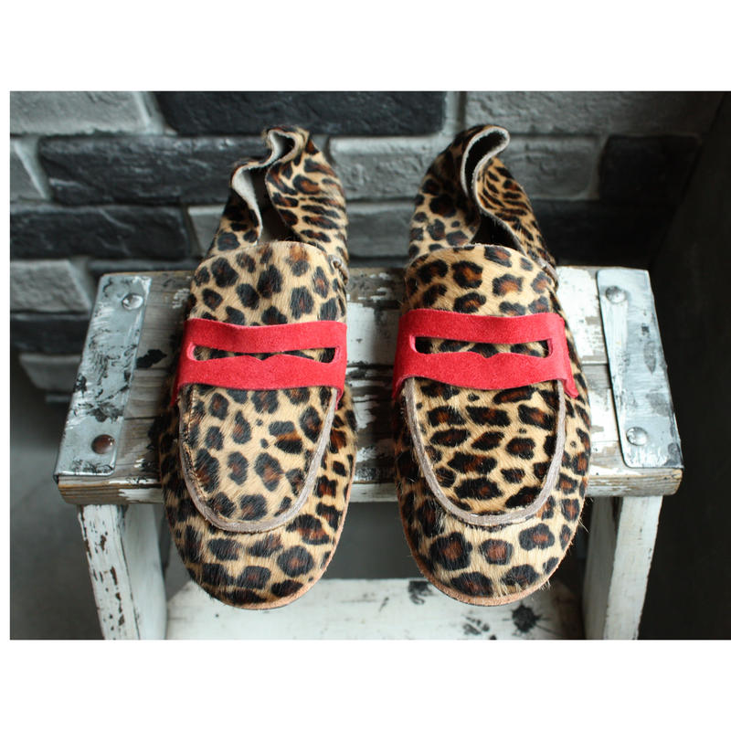 【OUTLET】 LOAFER COWHAIR PRINTED (SIZE 6)