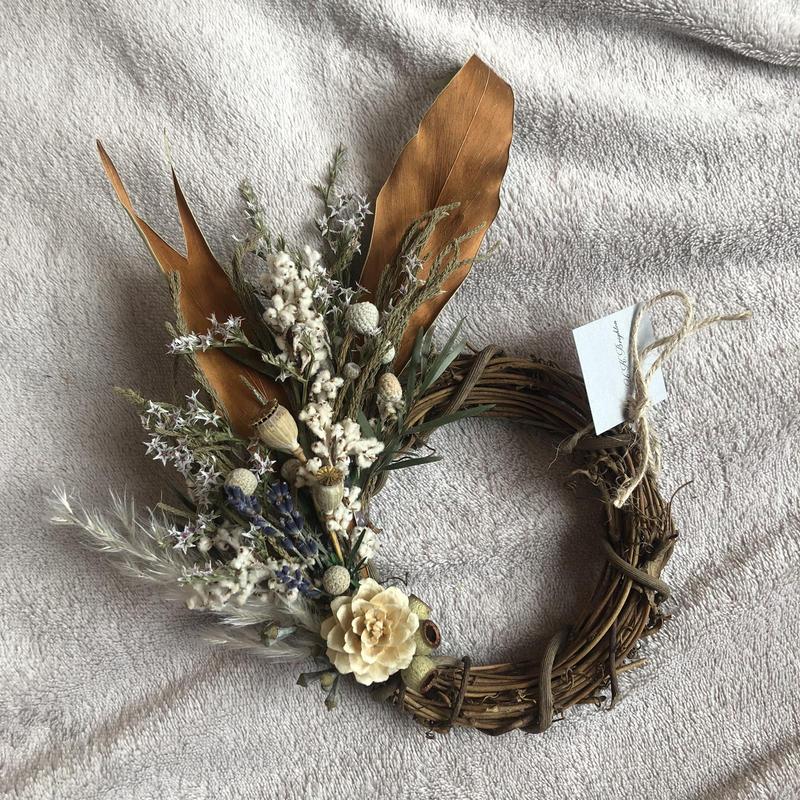 pure white half wreath