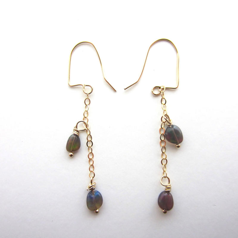 【UE072】 Black Opal Chain Earring 14KGF(ブラックオパールチェーンピアス)
