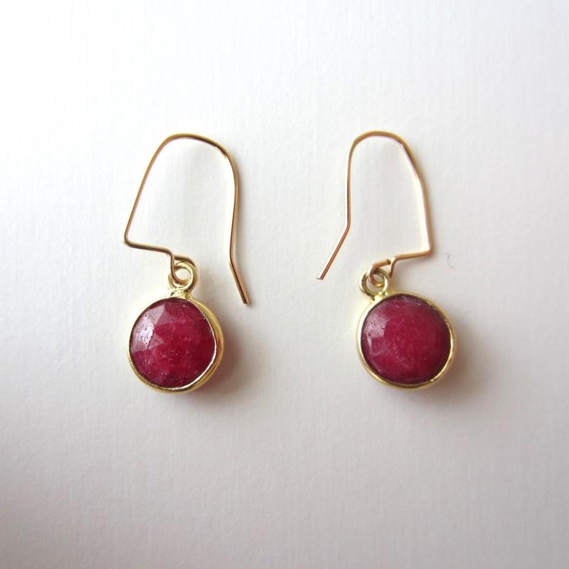 【UE079】 Ruby Gold Round Earring 14KGF(ルビーゴールドラウンドピアス)