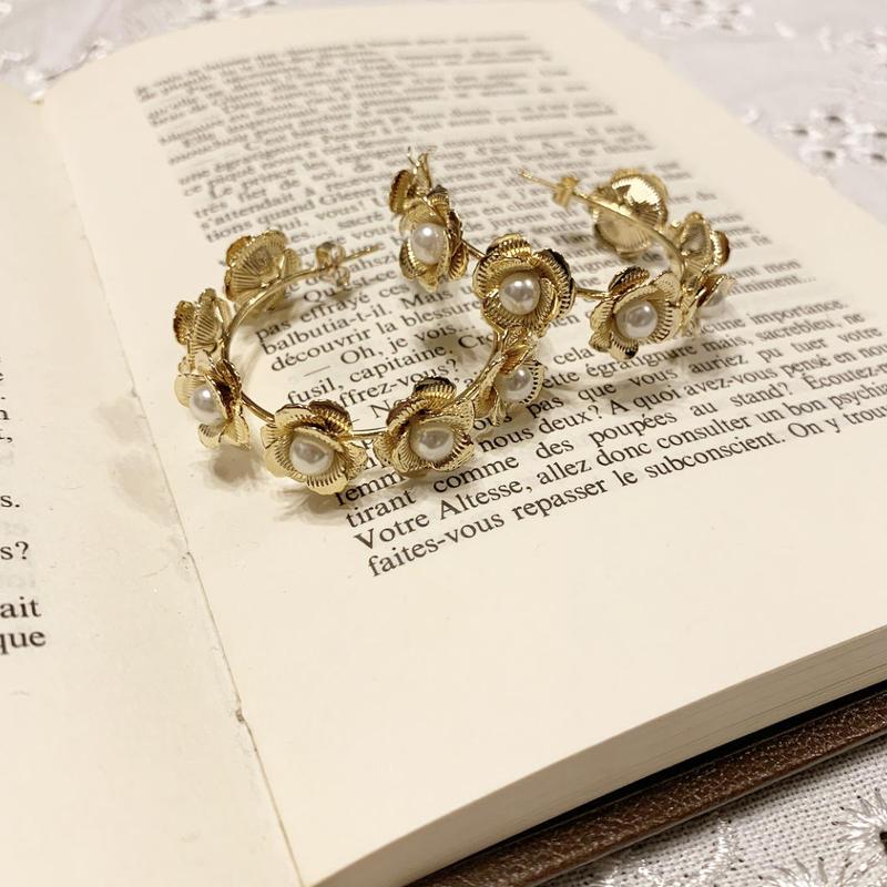 flower pearl round pierce