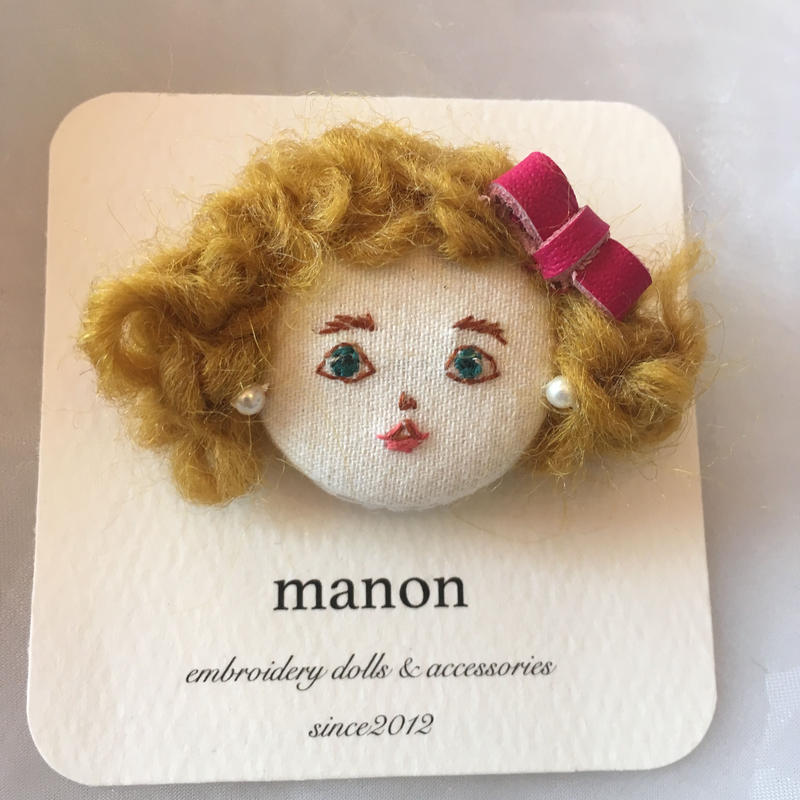 manon  dolls ブローチ