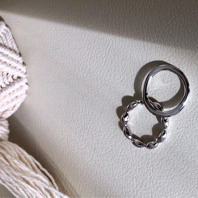 silver set ring