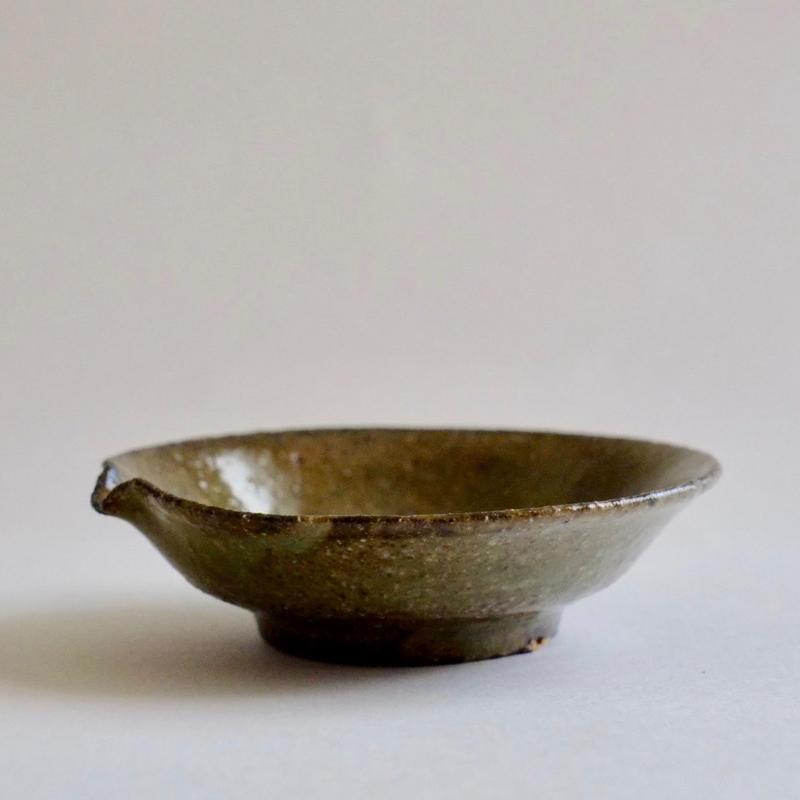 緑釉ハト口小鉢