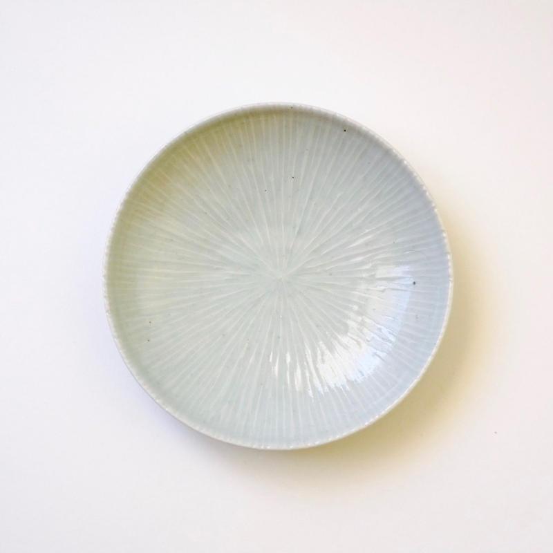 青白磁五寸シノギ皿