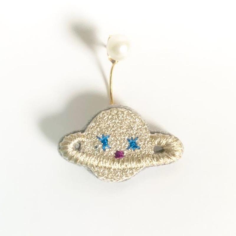 """""""Saturn pierced earring -single"""""""