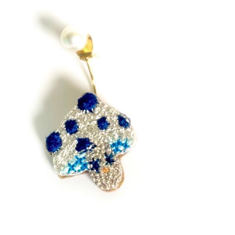 """""""mushroom pierced earring  -single""""  <silver color>"""