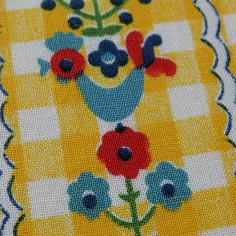 #408 黄色の格子とレトロな北欧柄の生地