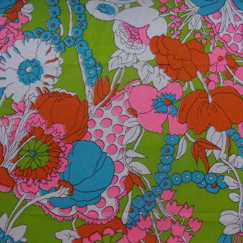 #425 レトロなド派手な花柄60年代生地