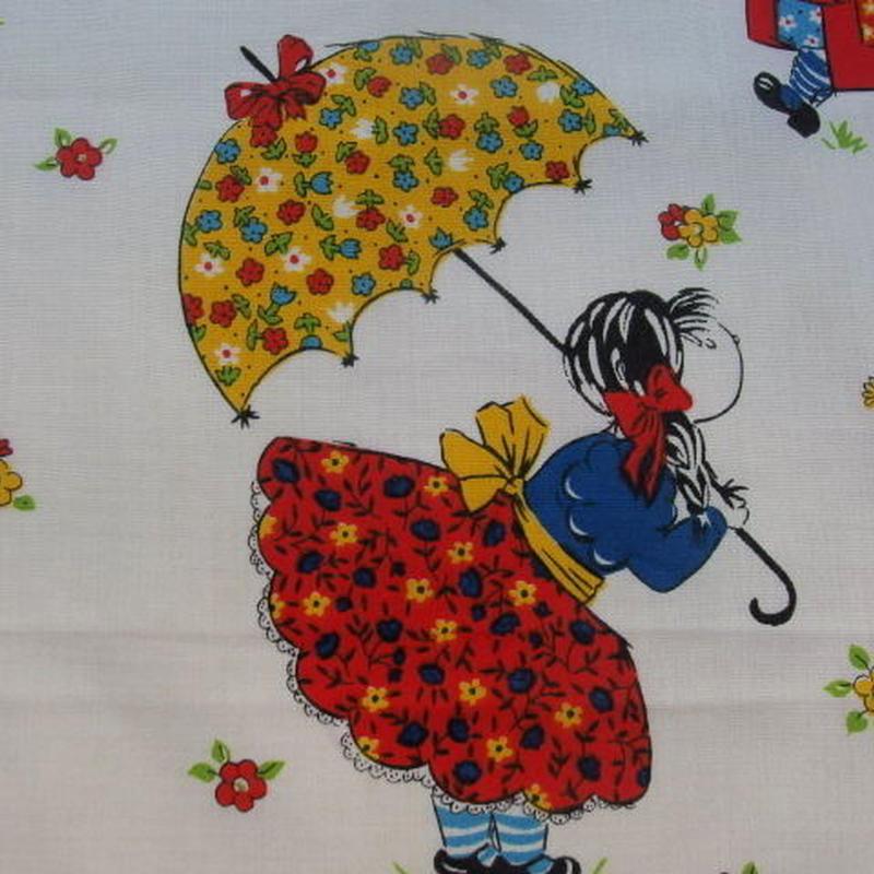 #427 レトロなかわいい雨の日の女の子 1977年