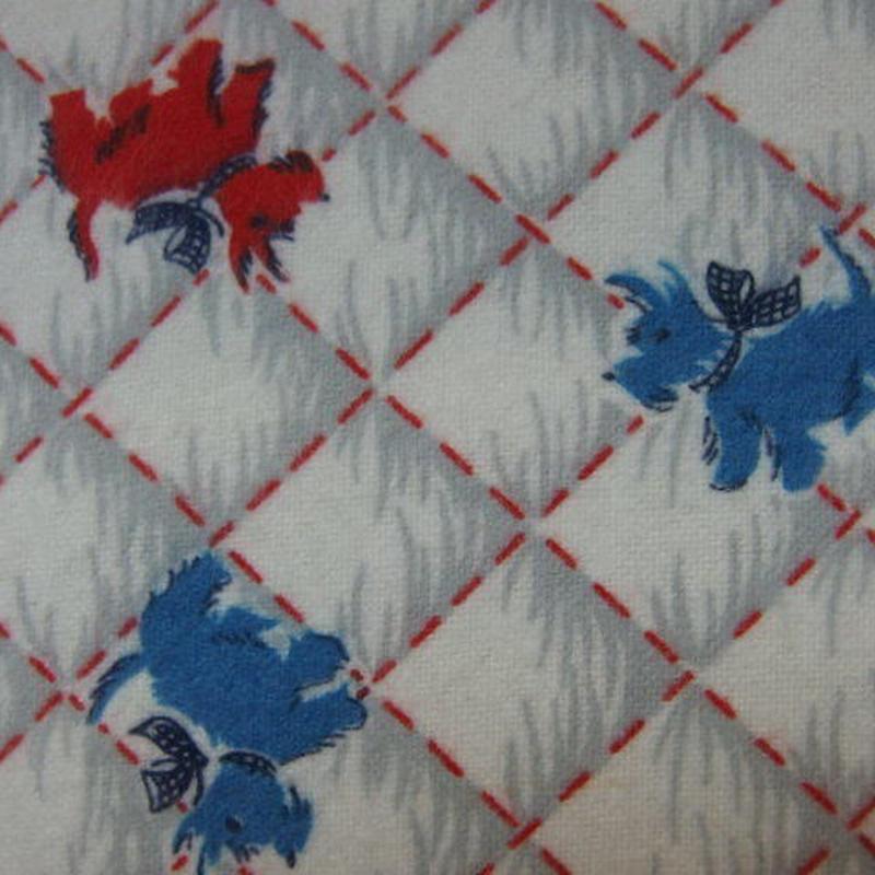 #416 レトロな赤と青のワンちゃん柄 ネル生地