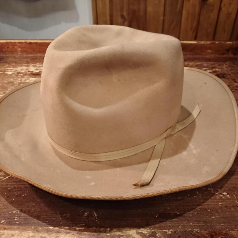 1950s~  Brand unknown   Felt hat.