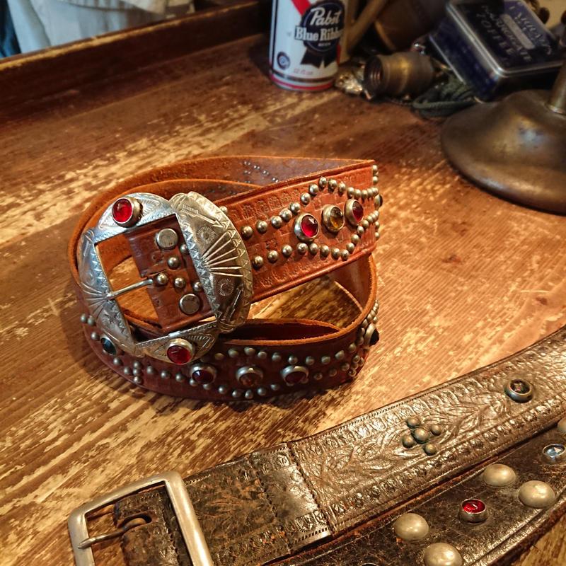 1940s~1950s  Arrow pattern  studs leather belt.