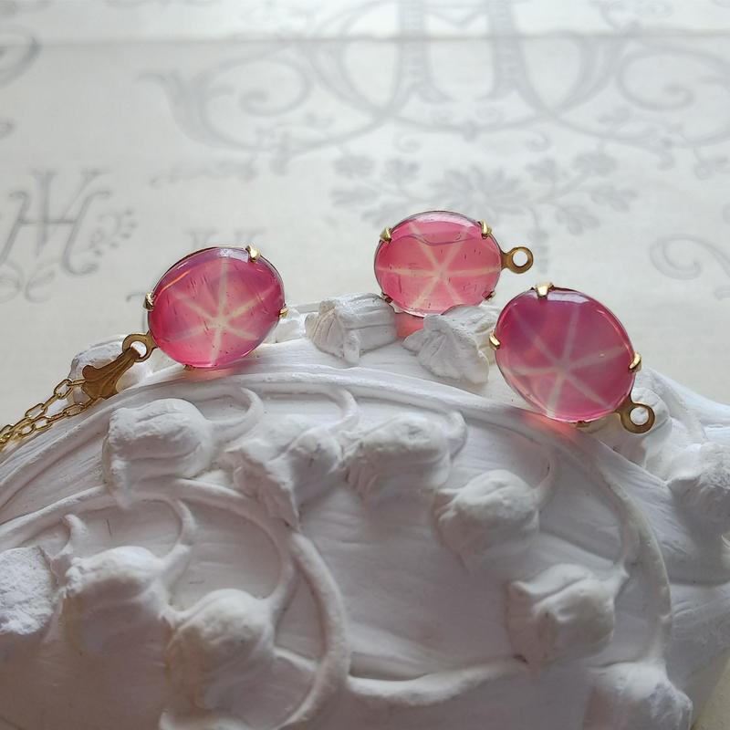 ヴィンテージ  Fuchsia-Pink  Opal/Star ネックレス