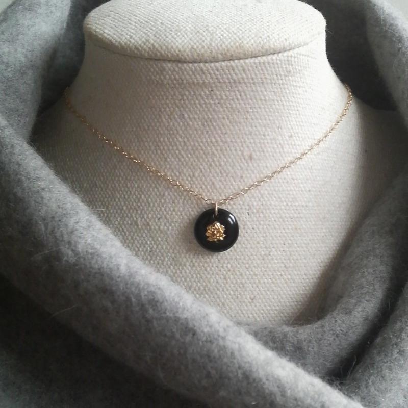 ヴィンテージ 漆黒Gold薔薇(12ミリ)14KGFネックレス