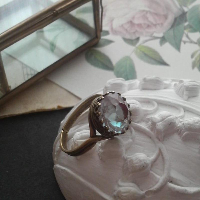サフィレット 11ミリ大粒ラウンド クラシカル指輪