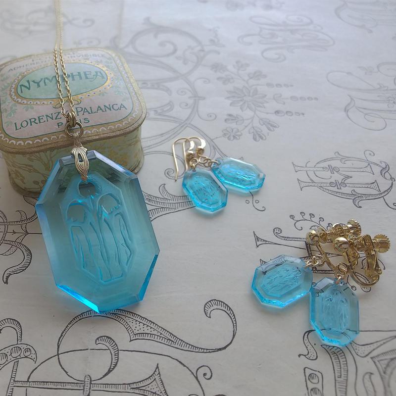 *Set販売(ネックレス&ピアス/またはイヤリング)ヴィンテージAqure-Blueすずらんインタリオ