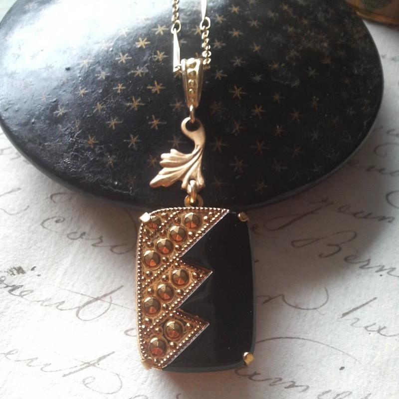 ヴィンテージ Artdeco BLACK/Gold Leafネックレス