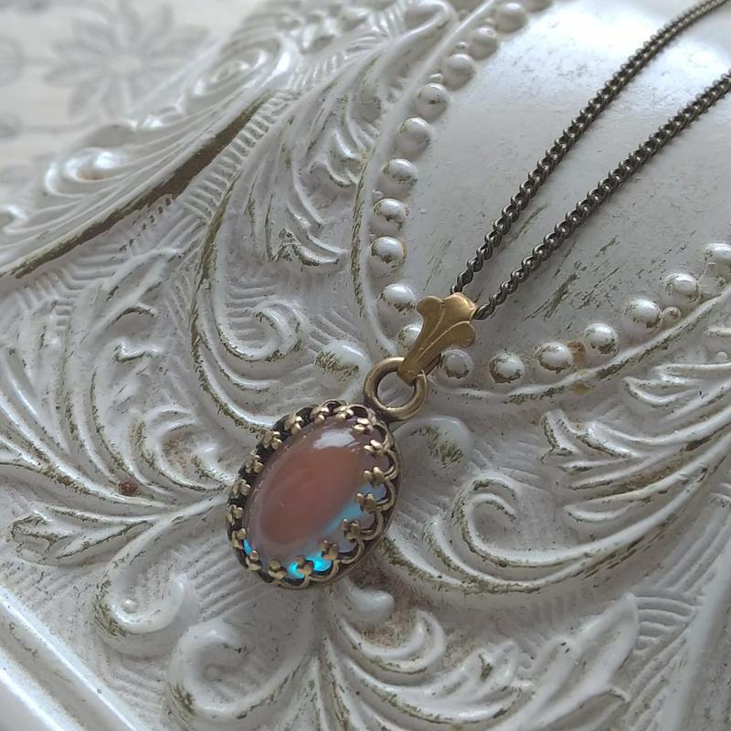Antiqueサフィレット(10×7ミリ)シンプルFleur de Lis ネックレス