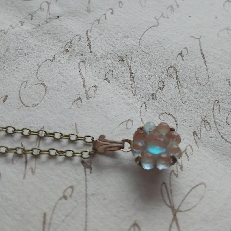 Antique  Flowerサフィレット/fleur-de-lis ネックレス