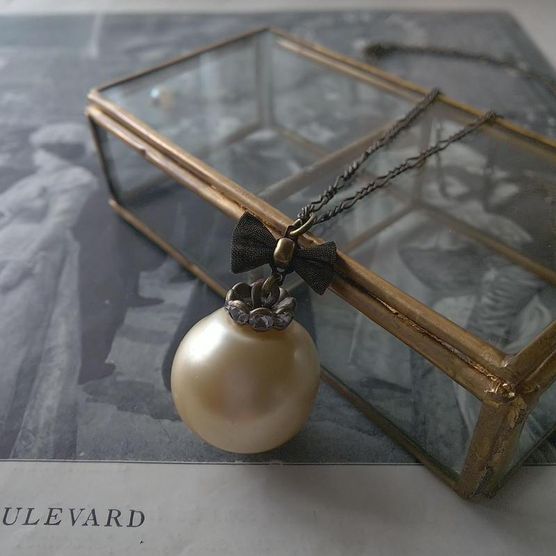 ヴィンテージ 大粒Glass-Pearl/Ribbon ロングネックレス